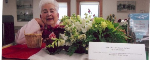 "Hull Garden Club celebrates ""Books in Bloom"""